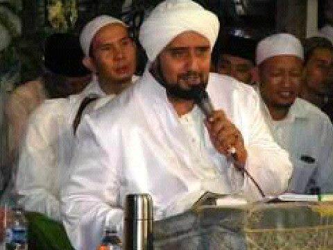 Sholawat bersama Habib Syech di MA El Bayan